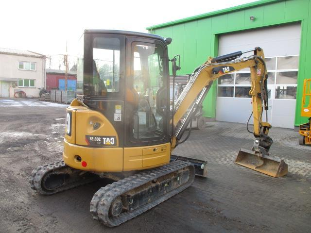 <b>CATERPILLAR</b> 303.5e cr Mini Excavator