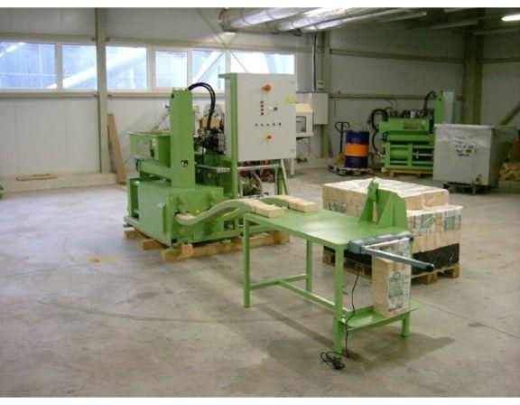 <b>WINTER</b> BP 450 Briquetting Press